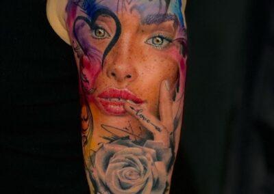 Tatuaje de Jr. Verger en Verger Tattoo Rostro a color